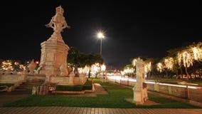 Décoration de monument et de lumière d'éléphant sur des arbres Photographie stock libre de droits