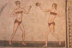 Décoration de mosaïque des ruines de la villa antique Romana del Casale photos libres de droits