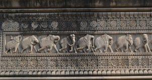 Décoration de mur sur le fort historique de Maheshwar Photographie stock libre de droits