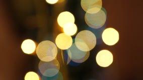Décoration de Noël à la maison Arbre et jouets de Noël Fireplase et bougies banque de vidéos
