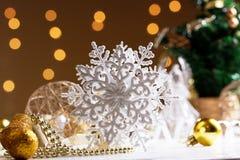 Décoration de Noël avec le flocon de neige Flocon de neige de Noël Photo libre de droits