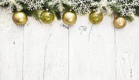 Décoration de Noël avec les boules vertes Photographie stock libre de droits