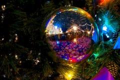 Décoration de Noël des arbres sur la place rouge à Moscou, Russie photos stock