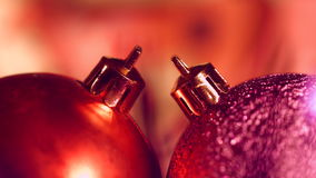 Décoration de Noël et d'an neuf Fond de vacances de Bokeh brouillé par résumé L'arbre de Noël allume le scintillement Fond rougeo clips vidéos