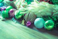 Décoration de Noël et de nouvelle année sur le fond en bois Photos libres de droits
