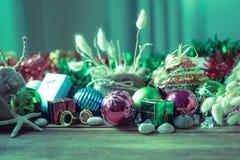 Décoration de Noël et de nouvelle année sur le fond en bois Images stock