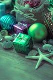 Décoration de Noël et de nouvelle année sur le fond en bois Photo stock
