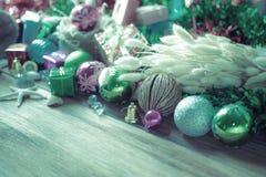 Décoration de Noël et de nouvelle année sur le fond en bois Photos stock