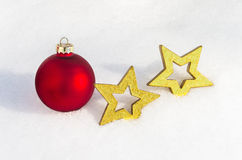 Décoration de Noël s'étendant dans la neige 7 Image libre de droits