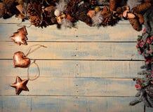 Décoration de Noël sur la table en bois Photographie stock libre de droits