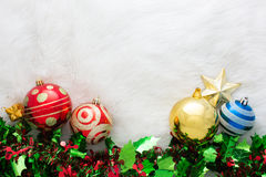 Décoration de Noël sur le fond abstrait ornement rouge, d'or Photo stock