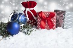 Décoration de Noël sur le fond blanc Photographie stock libre de droits