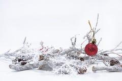 Décoration de Noël sur le fond blanc Calendrier de papier de Tableau de l'année 2019 photographie stock libre de droits