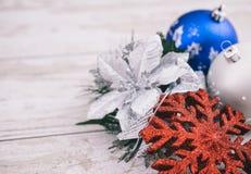 Décoration de Noël sur le fond en bois Photographie stock