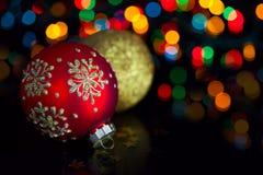 Décoration de Noël sur les lumières defocused Photos stock