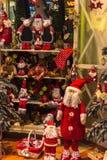Décoration de Noël sur un marché européen Photographie stock libre de droits