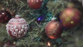 Décoration de Noël de transfert de foyer et de nouvelle année Fond de vacances de Bokeh brouillé par résumé Guirlande de clignote banque de vidéos