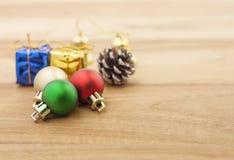 Décoration de Noël Décoration de vacances sur le fond en bois Les FO Photos stock