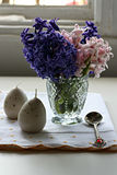Décoration de Pâques avec la jacinthe photographie stock libre de droits