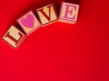 Décoration de Saint-Valentin avec le mot AMOUR Photos stock
