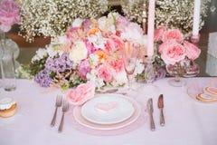 Décoration de table de mariage photographie stock libre de droits