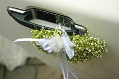 Décoration de véhicule de mariage Photographie stock libre de droits