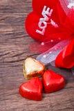 Décoration de Valentine, wor en forme de coeur de chocolat, de coeur et d'amour Photos stock