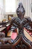Décoration des bancs dans l'abbaye de Bath Image stock