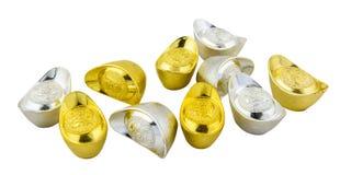Décoration des lingots chinois d'or d'isolement sur le fond blanc Photographie stock libre de droits