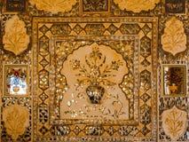 Décoration des tuiles argentées reflétées chez Amer Palace Images libres de droits