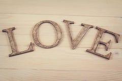 Décoration en bois d'amour de mot Photo stock