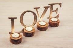 Décoration en bois d'amour de mot Photographie stock libre de droits