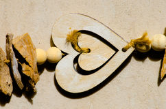Décoration en bois de coeur d'amour Photo libre de droits