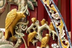 Décoration en bois de mur d'oiseau. Images libres de droits