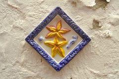 Décoration en céramique de mur dans le village canarien Photographie stock