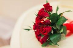 Décoration et anneaux de mariage Image libre de droits