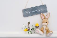 Décoration intérieure de lapin de Pâques Image stock
