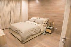 Décoration moderne et de luxe de chambre à coucher images libres de droits