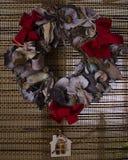 Décoration naturelle faite main de guirlande de Noël - rétro conception de style, l'espace de copie Images stock