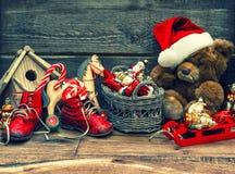 Décoration nostalgique de Noël avec les jouets antiques images libres de droits