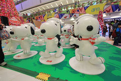 Décoration Snoopy de Noël dans APM Hong Kong Photo libre de droits