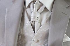 Décoration sur le costume de l'homme images stock
