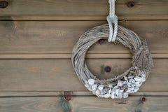 Décoration thématique de cadre de mer sur le mur en bois photos libres de droits