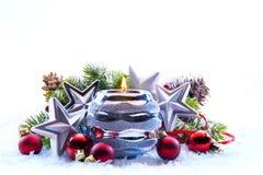 Décorations d'arbre de Noël sur le fond blanc Photos stock