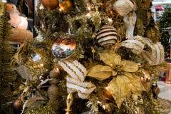 Décorations d'arbre de vacances de Noël Image libre de droits