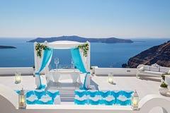 Décorations de mariage avec des roses Photographie stock libre de droits
