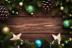 Décorations de Noël avec des cônes Photographie stock
