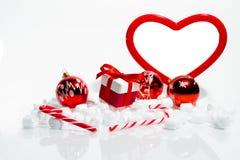 Décorations de Noël avec des cadeaux Images libres de droits