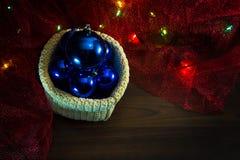 Décorations de Noël avec des cadeaux Image libre de droits
