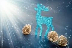 Décorations de Noël : chiffre et cônes de renne images libres de droits